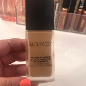 Laura Mercier flawless fusion foundation -buff 3N1